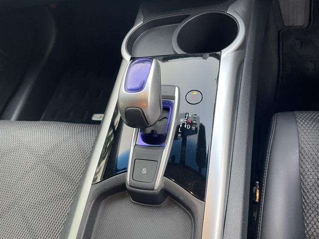 ハイブリッドX ホンダセンシング ナビ バックカメラ ETC LEDヘッド スマートキー ハーフレザー 社外17AW フルセグTV フォグ 6人乗り(28枚目)