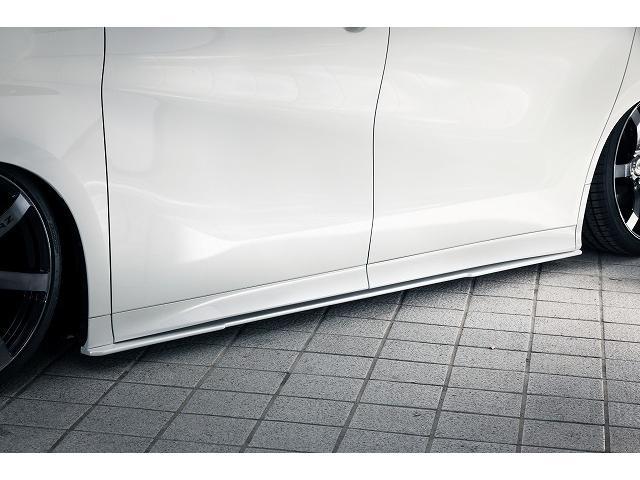 KUHLPREMIUM新作サイドステップも装着済み価格に含まれます!純正よりも25mmダウンにとどめたエアロパーツですので、ローダウン車でも安心です!通常エアロパーツの1.5倍の強度を確保した内製品!