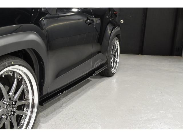 X KRUISE by KUHLRACINGコンプリートカー KRUISEフルエアロ BLITZ車高調整式サスペンション VERZ WHEELS 19インチアルミホイール オリジナルフロアマット(13枚目)