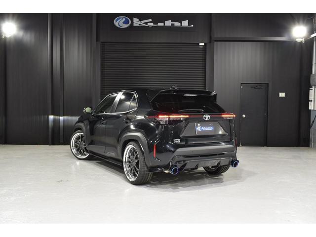 X KRUISE by KUHLRACINGコンプリートカー KRUISEフルエアロ BLITZ車高調整式サスペンション VERZ WHEELS 19インチアルミホイール オリジナルフロアマット(15枚目)