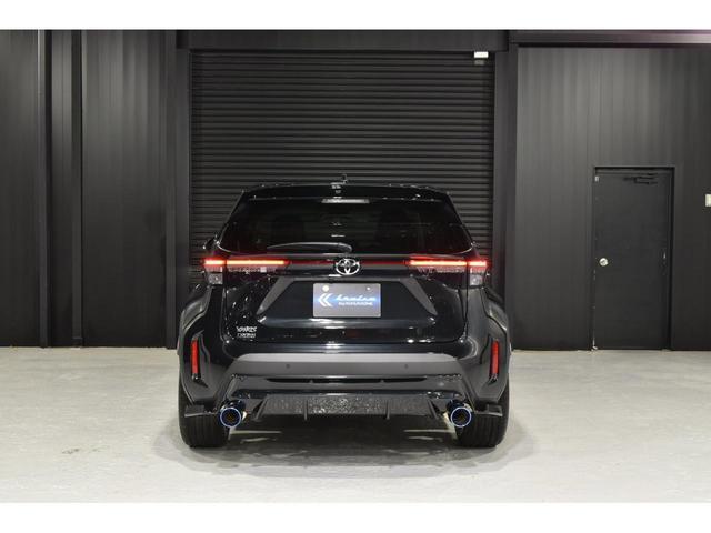X KRUISE by KUHLRACINGコンプリートカー KRUISEフルエアロ BLITZ車高調整式サスペンション VERZ WHEELS 19インチアルミホイール オリジナルフロアマット(16枚目)
