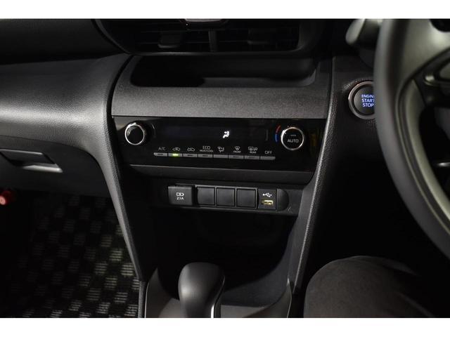 X KRUISE by KUHLRACINGコンプリートカー KRUISEフルエアロ BLITZ車高調整式サスペンション VERZ WHEELS 19インチアルミホイール オリジナルフロアマット(23枚目)