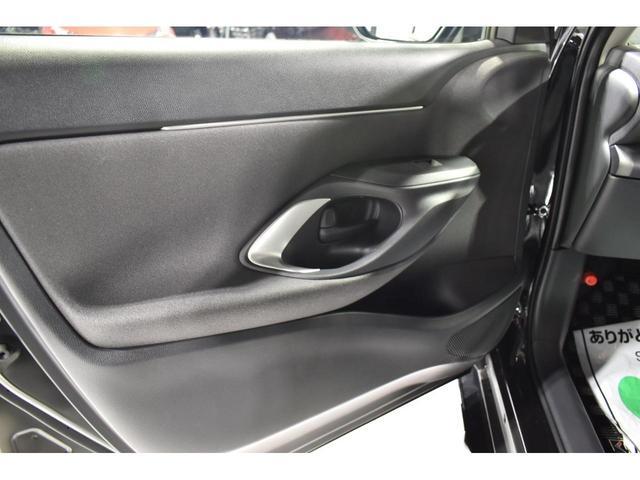 X KRUISE by KUHLRACINGコンプリートカー KRUISEフルエアロ BLITZ車高調整式サスペンション VERZ WHEELS 19インチアルミホイール オリジナルフロアマット(25枚目)