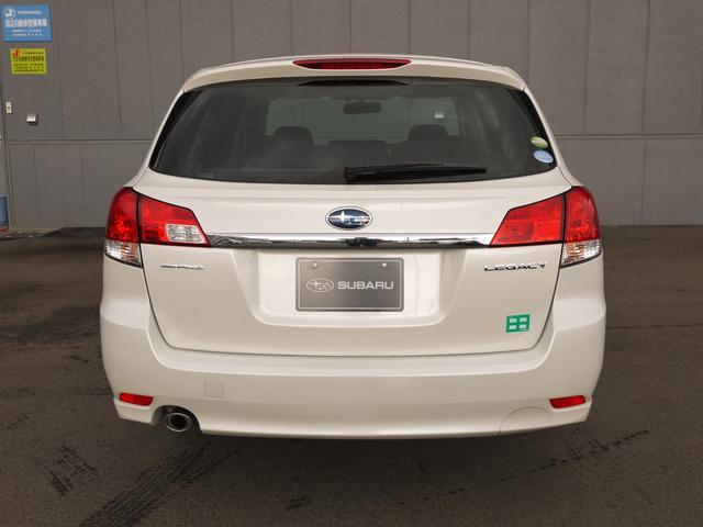 2.5i L Package  オートクルーズコントロール HIDヘッドライト フォグランプ パドルシフト 運転席パワーシート プッシュスタート CDオーディオ SIドライブ AWD キーレス イモビライザー(5枚目)