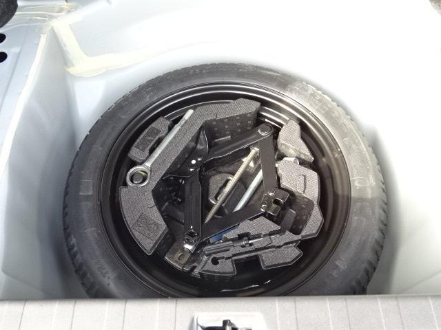 スペアータイヤ 車内搭載ですのであまり汚れず綺麗に保管できます。