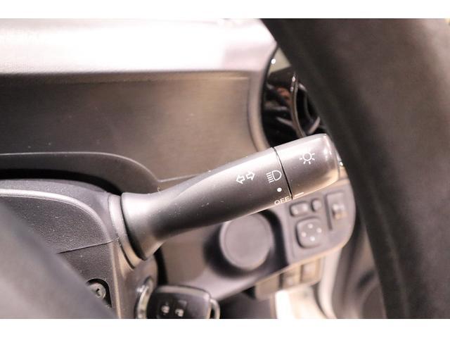 S SDナビ ワンセグTV CD・DVD再生 Bluetooth接続可 バックカメラ 衝突被害軽減システム 車線逸脱警報・オートマチックハイビーム キーレス イモビライザー アイドリングストップ(19枚目)