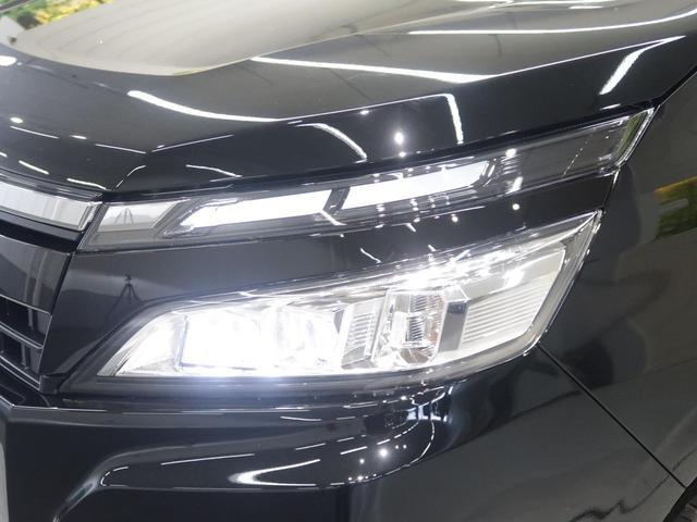 トヨタ ヴォクシー X 新車未登録 両側電動スライドドア 8人乗