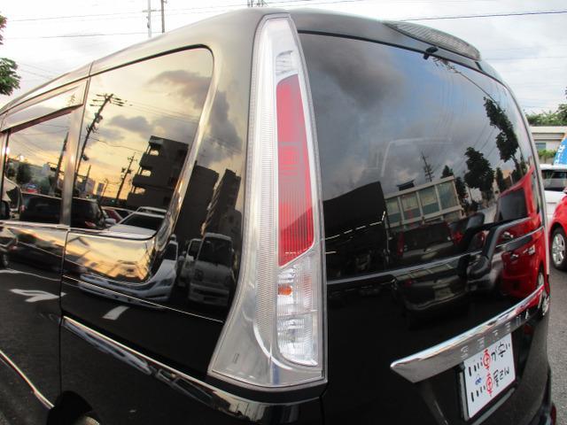 ハイウェイスター 禁煙車 HDDナビ 地デジ CD再生 DVD再生 バックカメラ ETC スマートキー HID AW16インチタイヤ 3列シート ウォークスルー(14枚目)