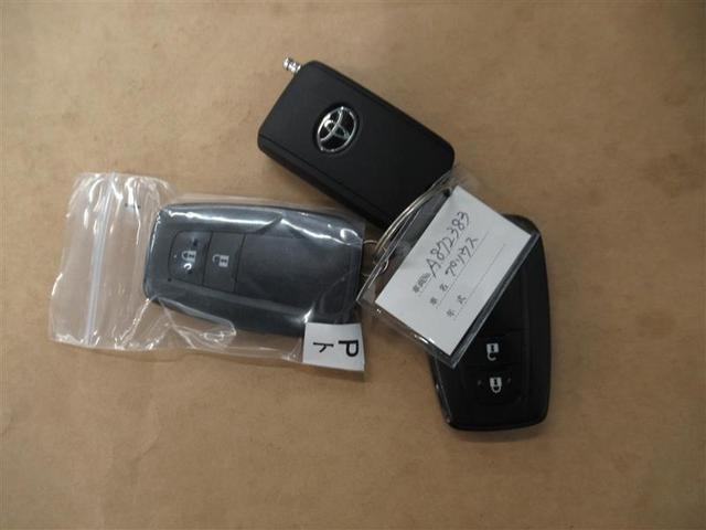 S SDナビ フルセグ DVD再生 ミュージックプレイヤー接続可 バックカメラ 衝突被害軽減システム ETC HIDヘッドライト ワンオーナー(18枚目)