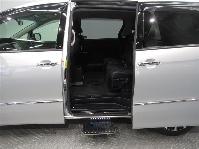 アエラス プレミアム 4WD フルセグ メモリーナビ DVD再生 後席モニター バックカメラ ETC 両側電動スライド HIDヘッドライト 乗車定員7人 3列シート ワンオーナー(10枚目)