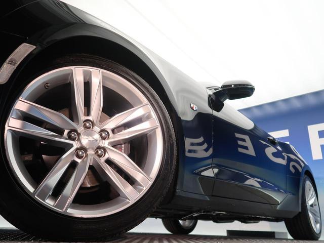 純正20インチアルミホイールはガリ傷も無く綺麗な状態です『輸入車ならではの卓越した走りを支えるホイールと足回りです!日本車の走りに慣れている方にもぜひ体感して頂きたい程高いレベルでまとまっています!』