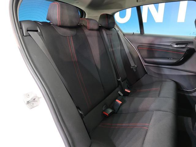 後部座席は使用感も少なく、綺麗な状態を維持しております!当店のおすすめするルームクリーングも大変人気となっております。消臭効果もございますのでとても喜んでいただけるオプションでございます。