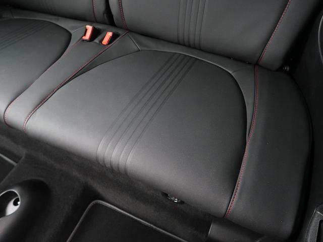 コンペティツィオーネ 左ハンドル 5速MT スポーツモード 社外ナビ フルセグTV オートエアコン Bluetooth接続 純正17インチアルミホイール ETC車載器 レカロシート HIDヘッドライト 前後フォグ 禁煙車(25枚目)
