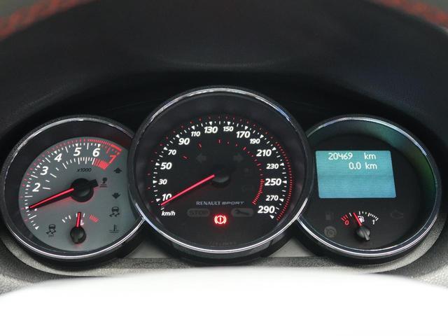 ルノー スポール 6速ミッション車 RECARO製シート 革巻きステアリング クルーズコントロール デュアルオートエアコン クリアランスソナー オートライト 純正18インチアルミ キーレス 禁煙車(11枚目)