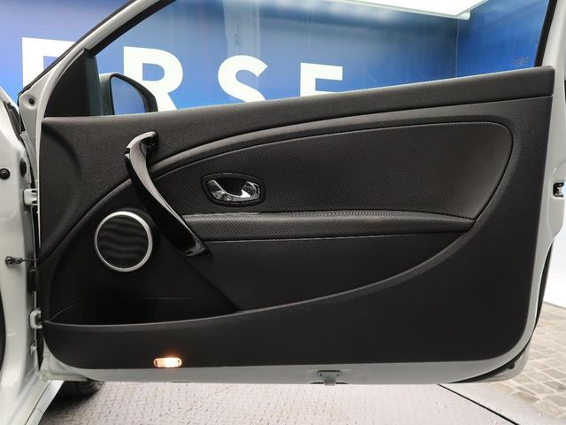 ルノー スポール 6速ミッション車 RECARO製シート 革巻きステアリング クルーズコントロール デュアルオートエアコン クリアランスソナー オートライト 純正18インチアルミ キーレス 禁煙車(20枚目)