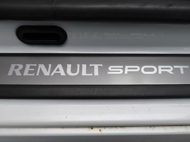 ルノー スポール 6速ミッション車 RECARO製シート 革巻きステアリング クルーズコントロール デュアルオートエアコン クリアランスソナー オートライト 純正18インチアルミ キーレス 禁煙車(31枚目)