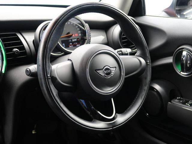 クーパー ミントパッケージ ナビゲーションパッケージ Bluetooth LEDヘッドライト オートライト アイドリングストップ デュアルオートエアコン 純正15インチアルミホイール ETC 禁煙車(13枚目)
