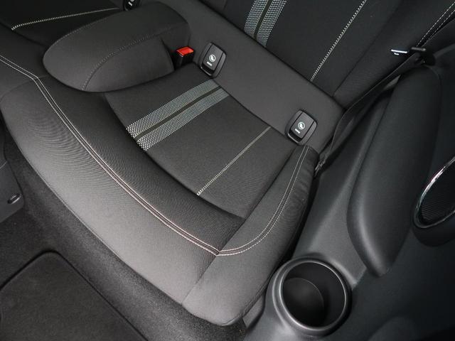 クーパーS 純正ナビゲーション シートヒーター コーナーセンサー レインセンサー オートライト ETC LEDヘッドライト デュアルオートエアコン Bluetooth接続 禁煙車(29枚目)