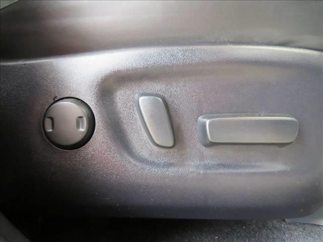 エレガンス 後期 純正SDナビ9型 トヨタセーフティS パワーシート オートハイビーム レーンディパーチャーアラート プリクラッシュセーフティ アイドリングストップ クリアランスソナー(8枚目)