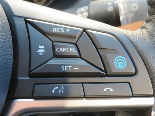 X ツートーン インテリアエディション 登録済 インテリアアラウンドビュー シートヒーター スマートキー エマージェンシーブレーキ LEDヘッドライト 純正AW デジタルインナーミラー ステアリングヒーター(4枚目)