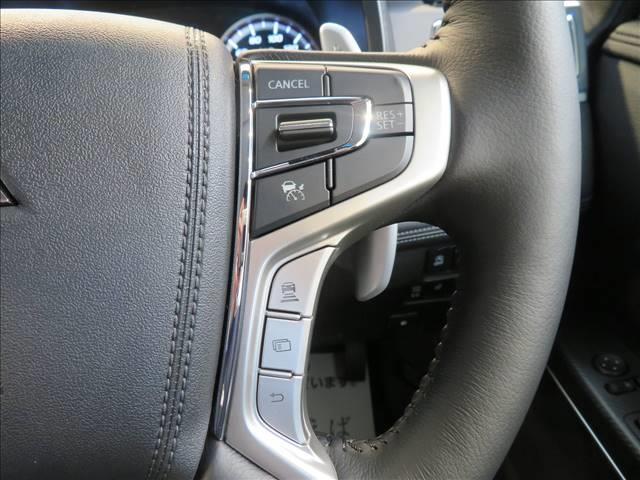 P 未使用 両側電動 Eアシスト 衝突軽減ブレーキ アダプティブクルーズコントロール シートヒーター パワーシート キャプテンシート ブレーキホールド 電子サイドブレーキ LED 7人 4WD(3枚目)