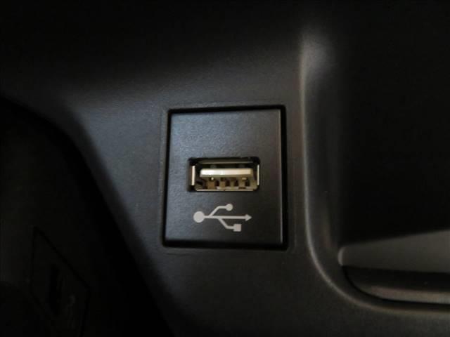 S-T SDTV 全方位カメラ セーフティセンス レーダークルコン ETC LEDヘッドライト シーケンシャルウィンカーミラー スマートキー 純正AW USBポート(6枚目)