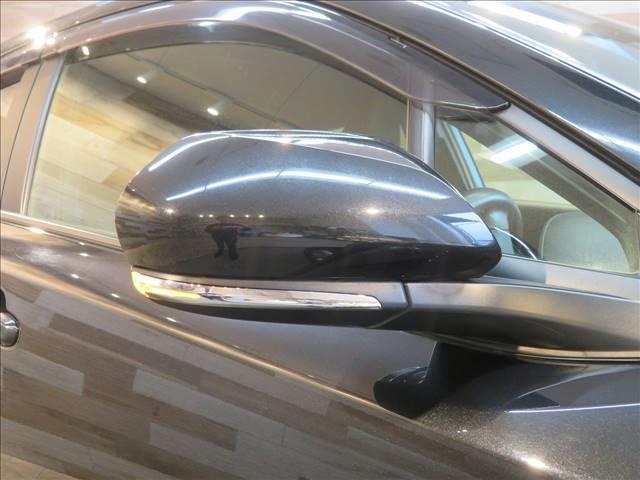 S SDナビ フルセグTV バックカメラ トヨタセーフティセンス ETC LEDヘッドライト レーダークルーズコントロール 電子サイドブレーキ ウインカー内蔵ミラー スマートキー(10枚目)