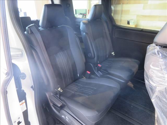 Gi プレミアムパッケージ ブラックテーラード 新車未登録 両側電動ドア セーフティセンス レーダークルコン クリアランスソナー ハーフレザーシート スマートキー LEDヘッドライト シートヒーター キャプテンシート 7人(20枚目)