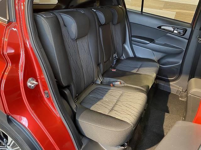 G ワンオーナー SDナビTV レーダークルーズ コーナーセンサー レーンキープ ヘッドアップディスプレイ ETC スマートキー 衝突軽減 LEDヘッド 4WD(9枚目)