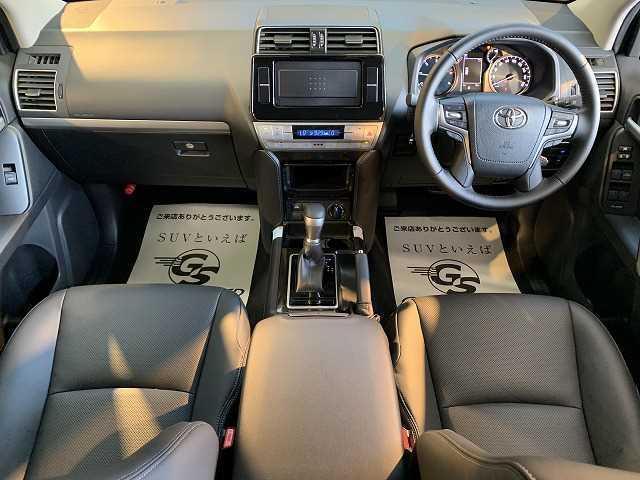 TX Lパッケージ・ブラックエディション 新車未登録 特別仕様 サンルーフ 黒本革 クリアランスソナー 7人 レーダークルーズ シートヒーター&エアコン LEDヘッド 純正アルミ ルーフレール 電動格納サードシート ディーゼル 4WD(2枚目)