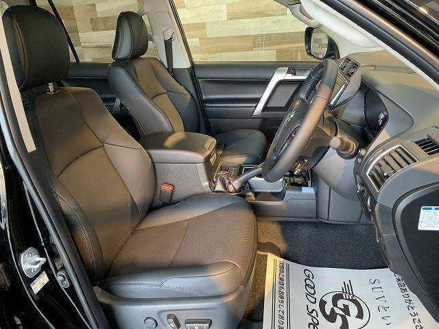 TX Lパッケージ・ブラックエディション 新車未登録 特別仕様 サンルーフ 黒本革 クリアランスソナー 7人 レーダークルーズ シートヒーター&エアコン LEDヘッド 純正アルミ ルーフレール 電動格納サードシート ディーゼル 4WD(8枚目)