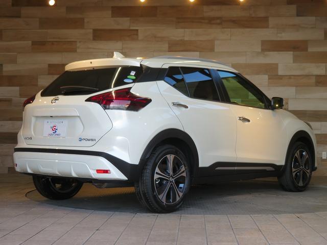 X ツートーン インテリアエディション 登録済未使用車 インテリアアラウンドビュー シートヒーター スマートキー エマージェンシーブレーキ LEDヘッドライト 純正AW デジタルインナーミラー ステアリングヒーター(11枚目)