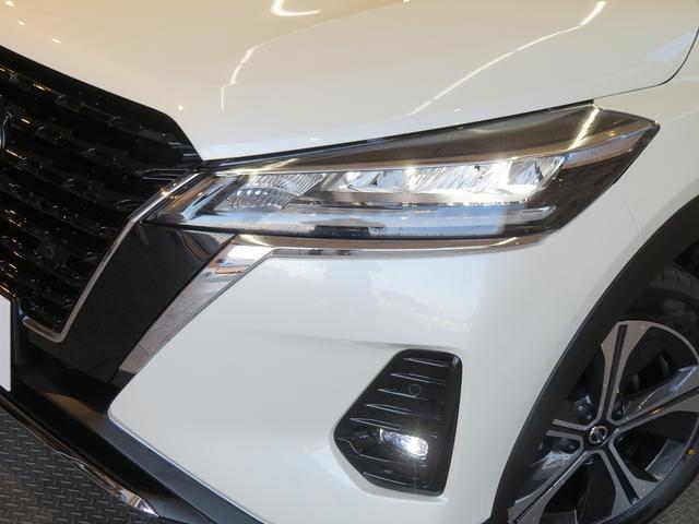 X ツートーン インテリアエディション 登録済未使用車 インテリアアラウンドビュー シートヒーター スマートキー エマージェンシーブレーキ LEDヘッドライト 純正AW デジタルインナーミラー ステアリングヒーター(17枚目)
