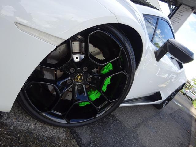 580-2 正規ディーラー車 左ハンドル 純正フロントリフティングブラックレザーインテリア グリーンステッチ 純正ナビ バックカメラシートヒーター アクラポビッチエキゾースト 取保スペアキー有(6枚目)