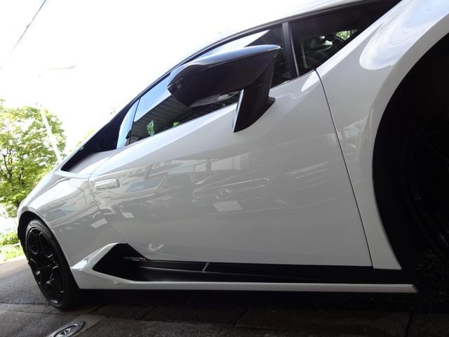 580-2 正規ディーラー車 左ハンドル 純正フロントリフティングブラックレザーインテリア グリーンステッチ 純正ナビ バックカメラシートヒーター アクラポビッチエキゾースト 取保スペアキー有(14枚目)