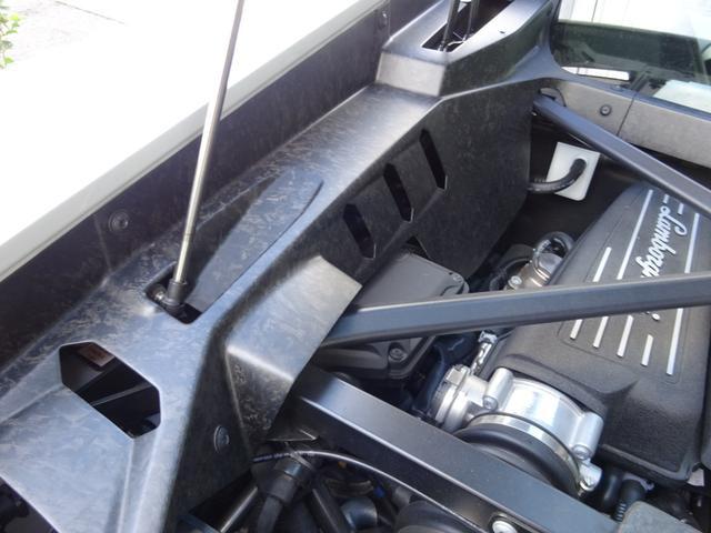 580-2 正規ディーラー車 左ハンドル 純正フロントリフティングブラックレザーインテリア グリーンステッチ 純正ナビ バックカメラシートヒーター アクラポビッチエキゾースト 取保スペアキー有(46枚目)