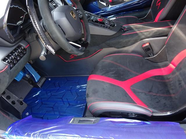 LP750-4 アヴェンタドール SV 世界限定600台 ディーラー車 カーボンインテリア パワークラフト可変マフラー&キャタストレート 純正マフラー有 フルプロテクションフォルム施工 SVビックデカール 備品全有(42枚目)