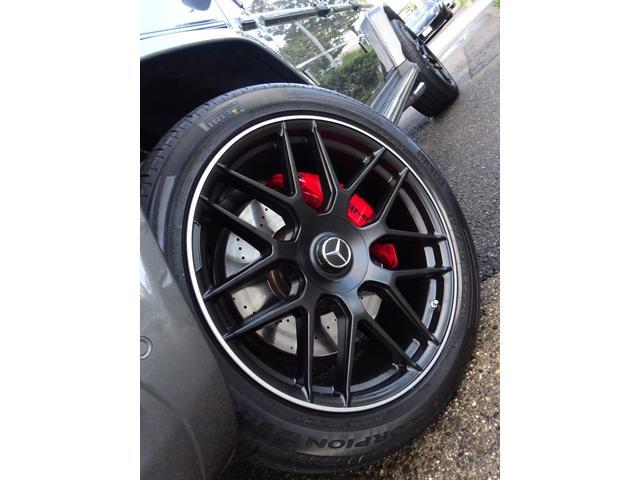 G63 G63AMG エクスクルーシブPKG ナッパレザー赤革S 電動スライディングルーフ AMGパフォーマンスエキゾーストシステム ツートンラッピング 22AWピレリ新品 新品AMGマット 取保記スペア有り(5枚目)