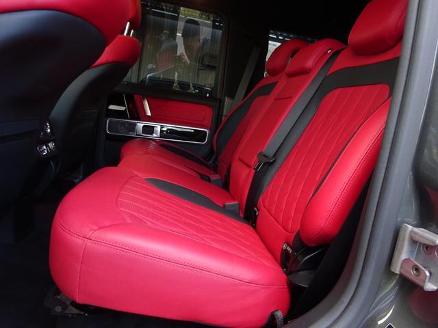 G63 G63AMG エクスクルーシブPKG ナッパレザー赤革S 電動スライディングルーフ AMGパフォーマンスエキゾーストシステム ツートンラッピング 22AWピレリ新品 新品AMGマット 取保記スペア有り(32枚目)
