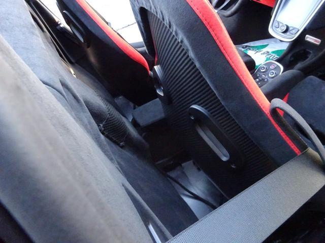 600LTスパイダー 正規ディーラー車 ワンオーナー車 アップグレード1 セキュリティP スペシャルP 純正ナビ バックカメラ 2.0ETC コンポーネントカーボンファイバーエクステリア F&Rパーキングセンサー スペア有(16枚目)