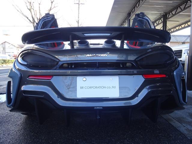 600LTスパイダー 正規ディーラー車 ワンオーナー車 アップグレード1 セキュリティP スペシャルP 純正ナビ バックカメラ 2.0ETC コンポーネントカーボンファイバーエクステリア F&Rパーキングセンサー スペア有(24枚目)