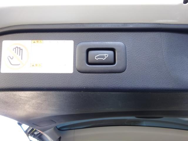 SR Cパッケージ ワンオーナー車 禁煙車 トヨタセーフティーセンス BSM デジタルインナーミラー スペアタイヤ アルパイン11型ナビフルセグ 12・8後席モニター ステアヒーター 純正マット サンルーフ 備品全て有り(19枚目)