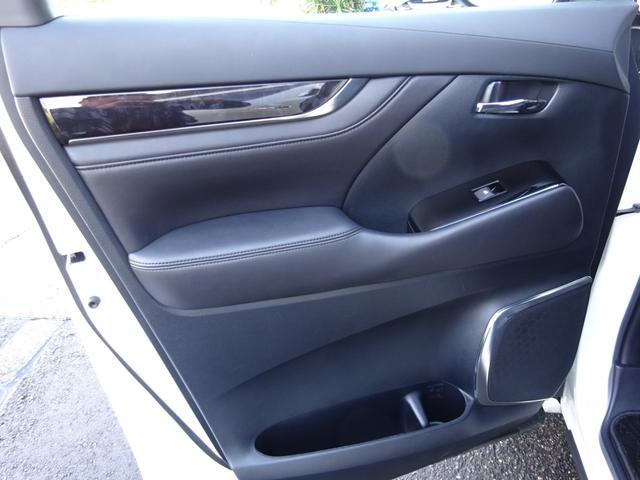 SR Cパッケージ ワンオーナー車 禁煙車 トヨタセーフティーセンス BSM デジタルインナーミラー スペアタイヤ アルパイン11型ナビフルセグ 12・8後席モニター ステアヒーター 純正マット サンルーフ 備品全て有り(23枚目)