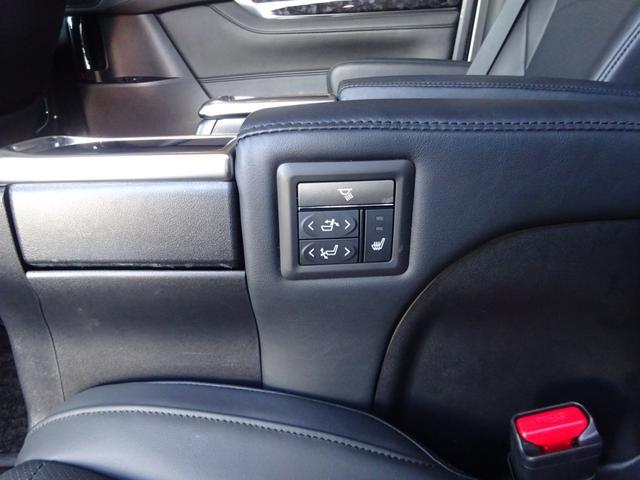 SR Cパッケージ ワンオーナー車 禁煙車 トヨタセーフティーセンス BSM デジタルインナーミラー スペアタイヤ アルパイン11型ナビフルセグ 12・8後席モニター ステアヒーター 純正マット サンルーフ 備品全て有り(28枚目)