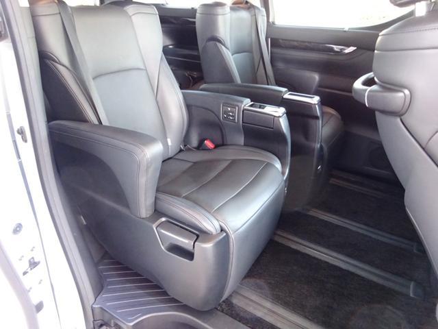 SR Cパッケージ ワンオーナー車 禁煙車 トヨタセーフティーセンス BSM デジタルインナーミラー スペアタイヤ アルパイン11型ナビフルセグ 12・8後席モニター ステアヒーター 純正マット サンルーフ 備品全て有り(43枚目)
