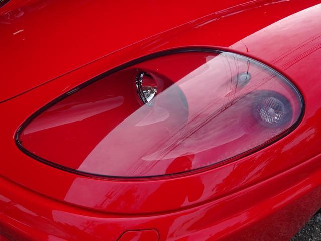 ベースグレード ヨーロッパ新車並行車 記録簿30枚以上 タイミングベルト&クラッチ交換済み 残量76% クライスジークエキゾースト可変付き カーボンブレーキ カーボンドアミラー 純正マフラー有り フェラーリバック有(7枚目)
