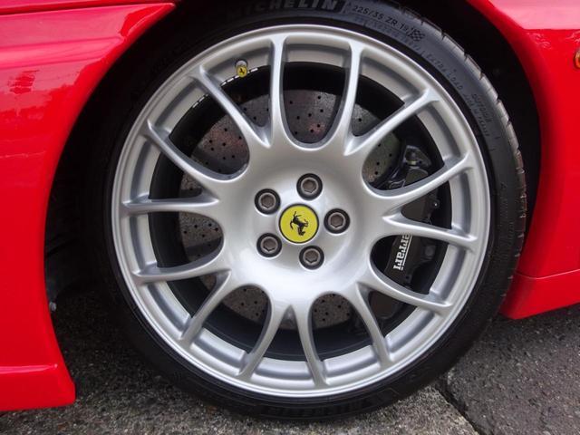 ベースグレード ヨーロッパ新車並行車 記録簿30枚以上 タイミングベルト&クラッチ交換済み 残量76% クライスジークエキゾースト可変付き カーボンブレーキ カーボンドアミラー 純正マフラー有り フェラーリバック有(10枚目)