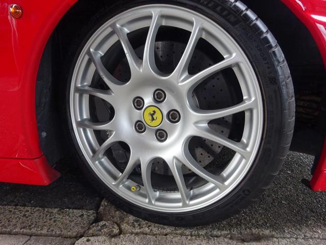 ベースグレード ヨーロッパ新車並行車 記録簿30枚以上 タイミングベルト&クラッチ交換済み 残量76% クライスジークエキゾースト可変付き カーボンブレーキ カーボンドアミラー 純正マフラー有り フェラーリバック有(17枚目)