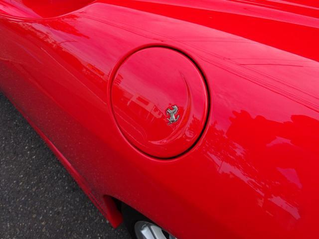 ベースグレード ヨーロッパ新車並行車 記録簿30枚以上 タイミングベルト&クラッチ交換済み 残量76% クライスジークエキゾースト可変付き カーボンブレーキ カーボンドアミラー 純正マフラー有り フェラーリバック有(32枚目)