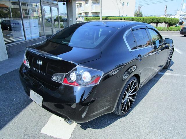 250GT 黒革S インフィニティーグリル 新品20AW(18枚目)